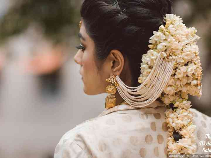 Marvelous 11 Gorgeous Indian Hairstyles With A Gajra Set For Everyone Schematic Wiring Diagrams Amerangerunnerswayorg