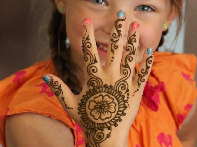 simple mehndi for children