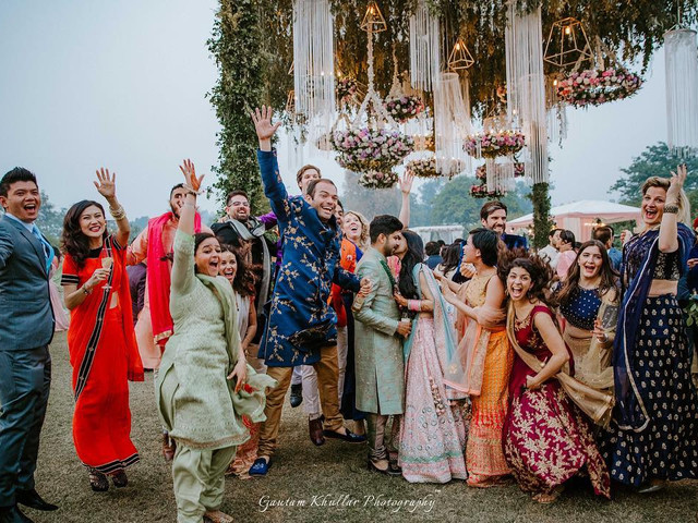37 Funny Wedding Wishes for Best Friend for Their D-day