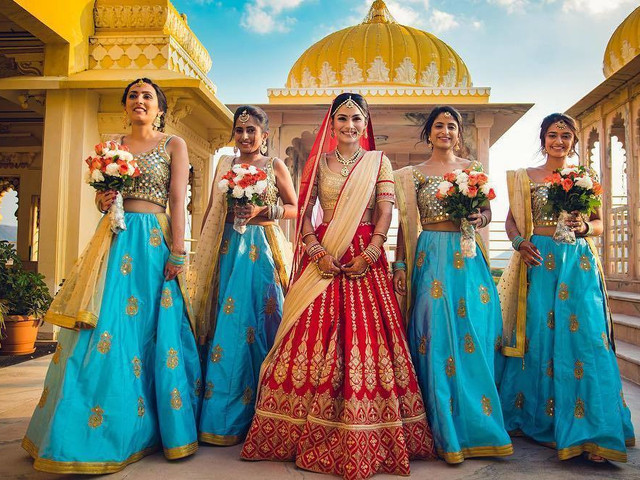 8 Lehenga Choli Images You Need To See While Outfit-hunting!