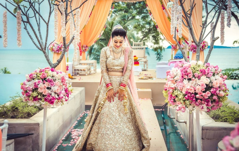 179f7a9c75 7 Golden Wedding Lehenga Epic Fails You Must Watch Out for