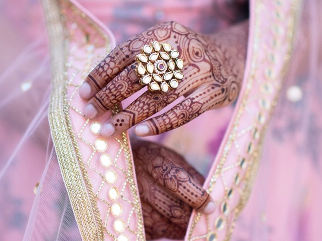 Simple Henna Designs For Hands For The Bride And Her Tribe