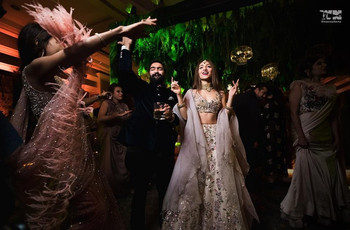 List of 8 Sangeet Songs Perfect for a Crazy Family Performance