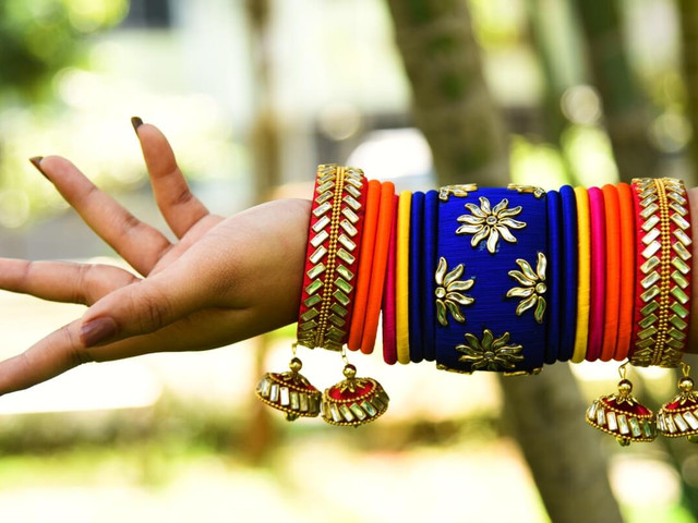 Thread Bangle Images That Are Hot This Season