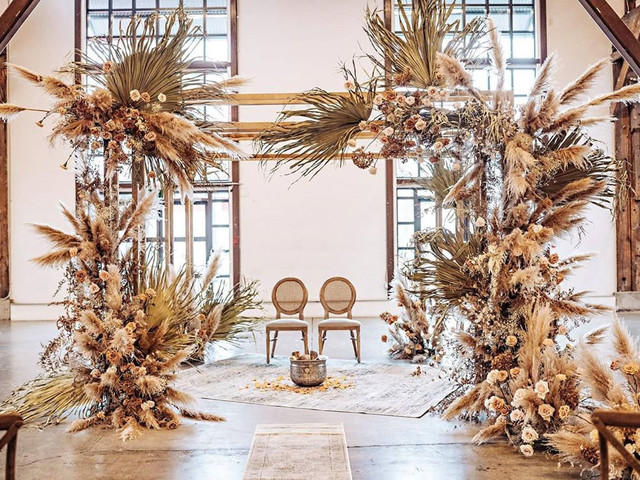 Eye-grabbing Ideas to Ace Intimate Ceremony Setting for Pheras & Vows
