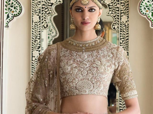 9 Brilliant Chaniya Choli Blouse Patterns to Take your Breath Away