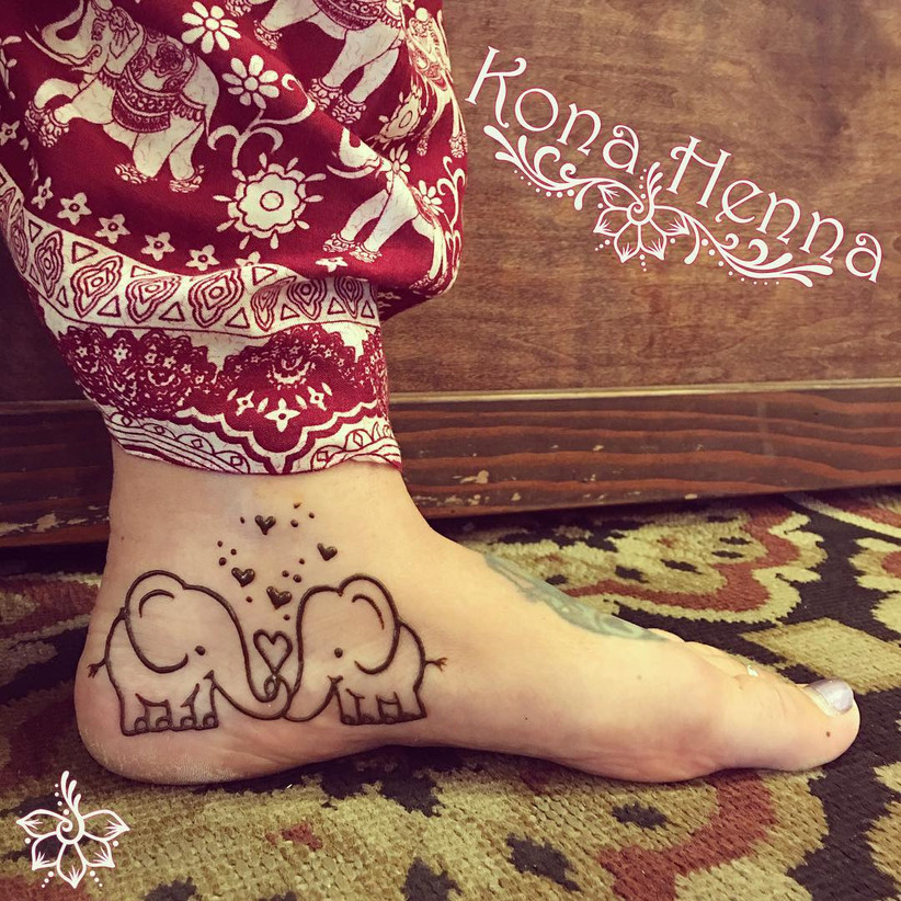 simple leg mehndi design tattoo