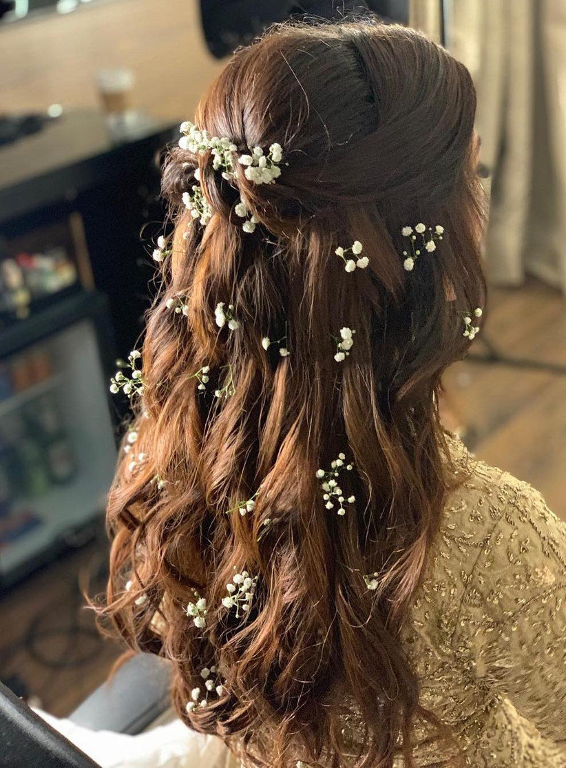 16 Dainty Baby S Breath Hairstyle Ideas For Brides Bridesmaids