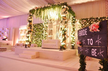 Have A Look At These 8 Stage Decoration Ideas For Wedding That Are Splendid, To Say The Least