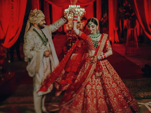 Dazzling Red Combinations That'll Make for a Fairytale Wedding