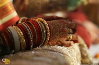 9 Traditional Bridal Gold Bangles That Add A Tinkle To Most Weddings