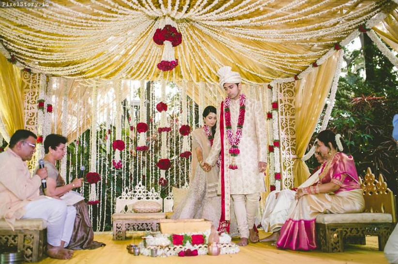15 Breathtaking And Simple Mandap Designs For Your Dream Wedding