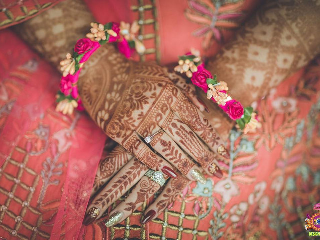 26 One Side Mehndi Designs To Show How Much You Care For Your Veeray Di Wedding
