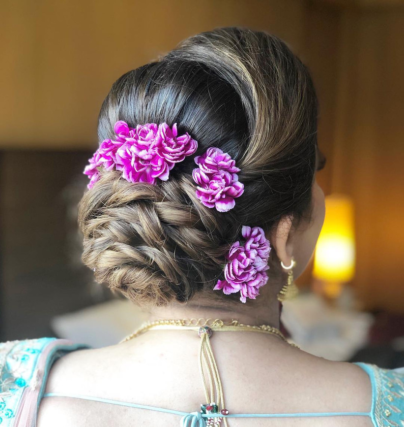 9 Effortlessly Beautiful Bun Hairstyle For Indian Wedding Function