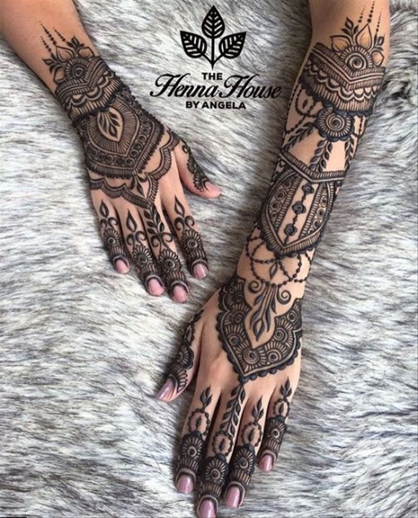 back hand mehndi design 2020