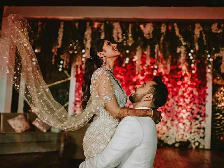 47 Hindi Songs For A Stellar Wedding Dance Performance Gud naal from ek ladki ko dekha toh aisa laga. 47 hindi songs for a stellar wedding