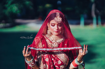 8 Stunning Indian Sarees Images For Your Bridal Look