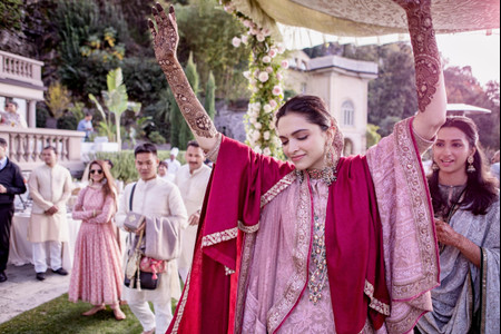 Bollywood Bridal Outfits You Must Check Now for Some Inspo