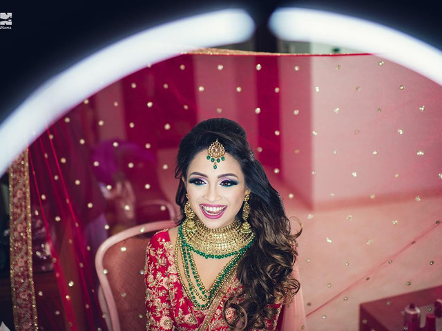 5 Simple Indian Hair Style Ideas to Pick This Wedding Season!