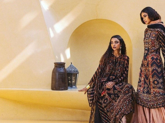 Designer Suits & New Latest Designs Fit for Ladies at the Wedding