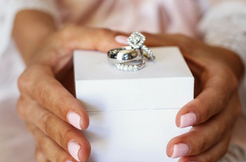10 Exquisite Diamond Couple Rings That Will Show Off Your Bond!