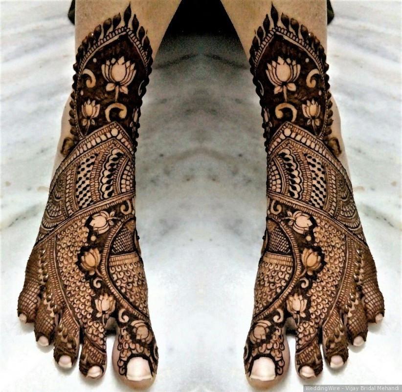 bridal leg mehndi design 2021