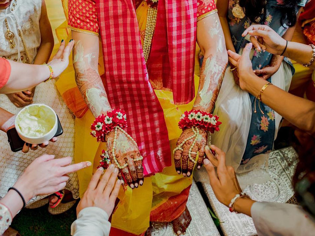 Basic Mehndi Design Options to Choose from on Your Mehndi Ceremony!