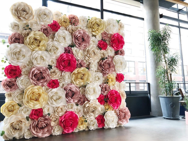 8 Paper Flower Wall Décor Ideas to Deck the D-day Venue Up for You