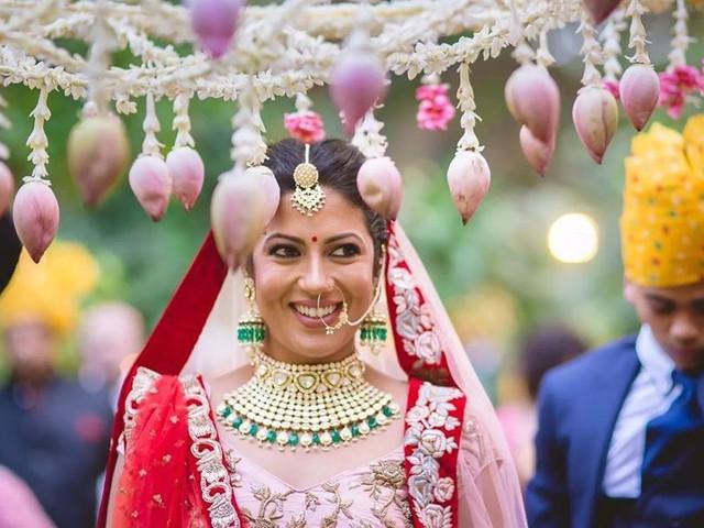 All Possible DIY Phoolon Ki Chadar Ideas to Customise Your Bridal Entry