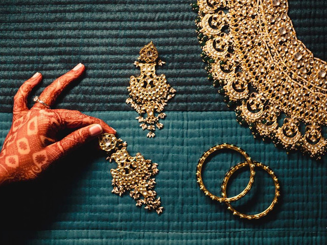 A-Z of Latest Gold Designs For the Modern Bride