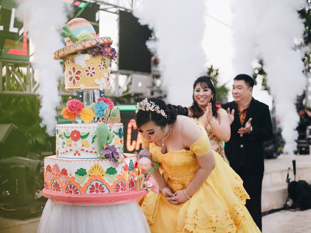 Funny Cake Ideas You Need for an Unforgettable Wedding Celebration