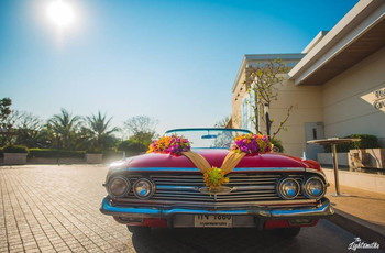 Use These Car Decor Ideas to Make Your Bride's Ride Home Special