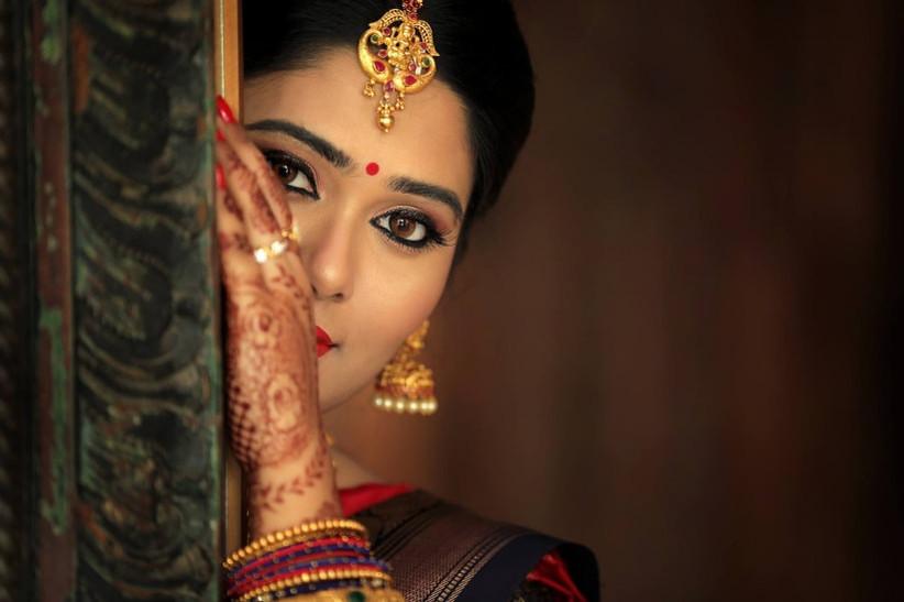 Kerala bridal makeup highlights the natural beauty of the bride.