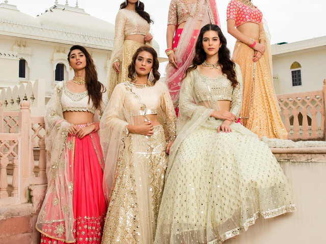 How to Ace the Art of Styling Indian Bridesmaid Dresses as a Team? Let Us Help You!