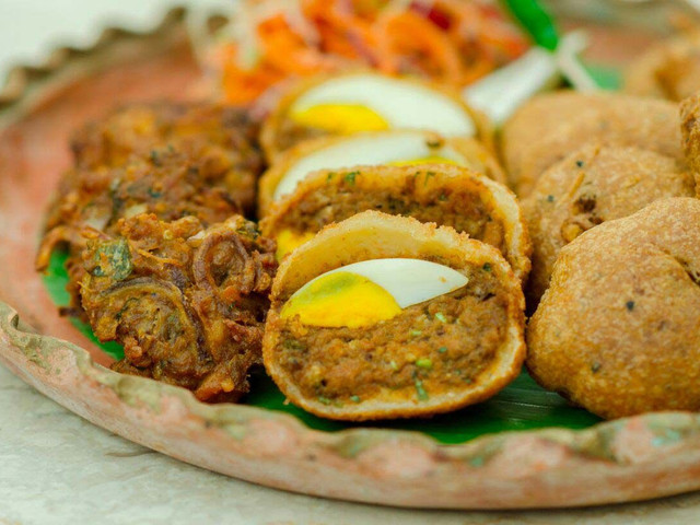 Traditional Food of West Bengal - Mishti Pulao, Kosha Mangsho and What Else? Add These to Your Wedding Menu