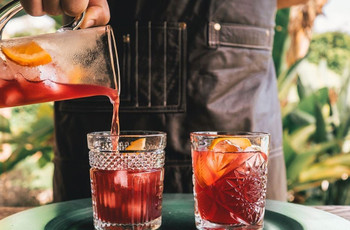 10 Lip-smacking Drinks for Your Wedding Cocktail Bar Menu!