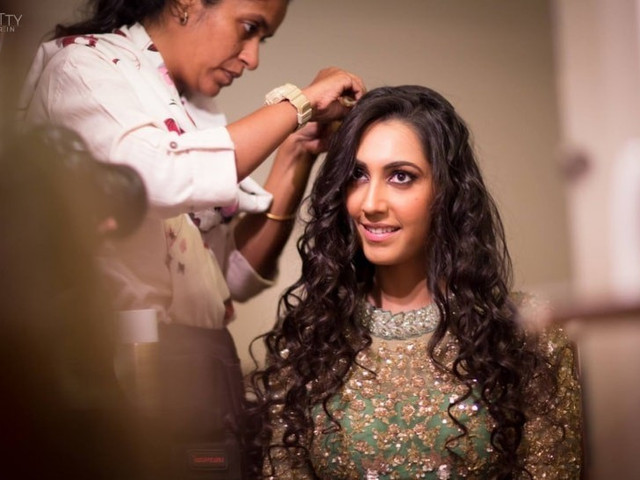 15 Very Easy Hairstyles You Can Sport This Wedding Season!