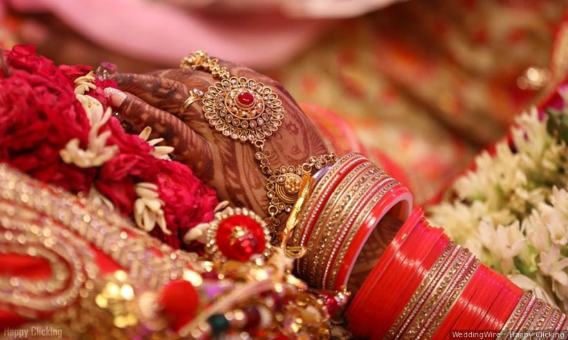 5 Latest Bridal Chura Designs For The Brides Of Today