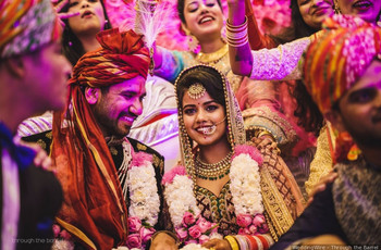 Gorgeous Garland Images That Will Inspire You to Frame Your Perfect Jaimala Moments From the D-day