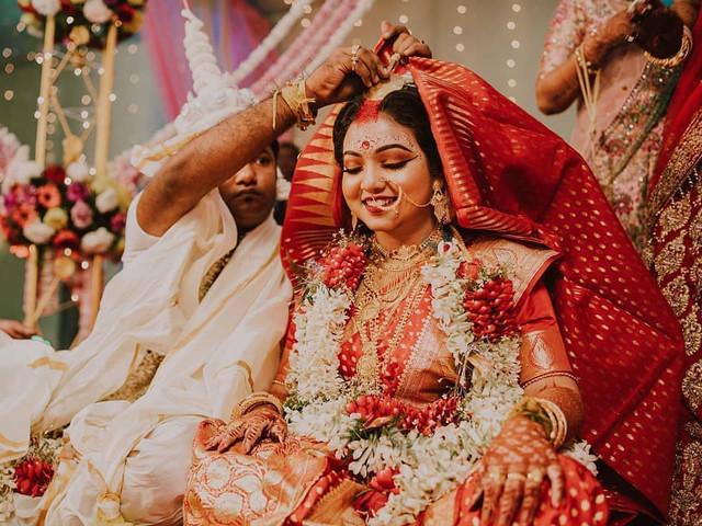 Decoding a Bengali Wedding: the Beautiful Traditions of a Biye