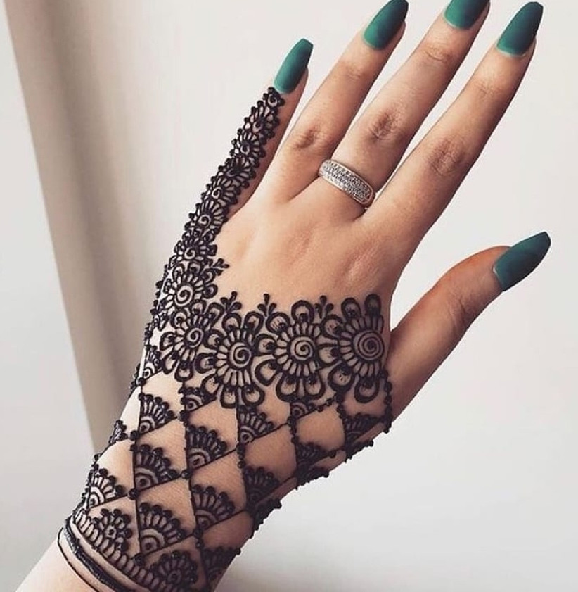 Arabic Henna Designs: These Simple Arabic Mehndi Designs For Hands Are All You