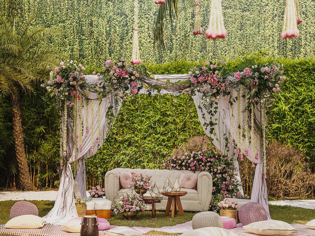 When Should You Start Looking for a Wedding Venue