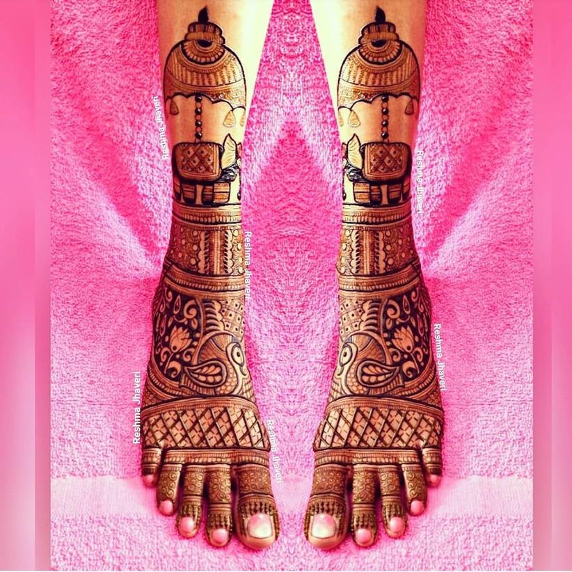 Swan Mehndi Design