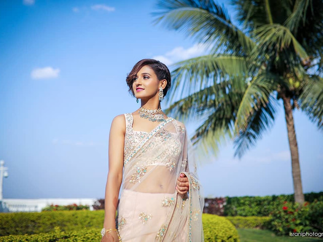 Learn How to Drape a Saree Below the Navel in a Contemporary Style