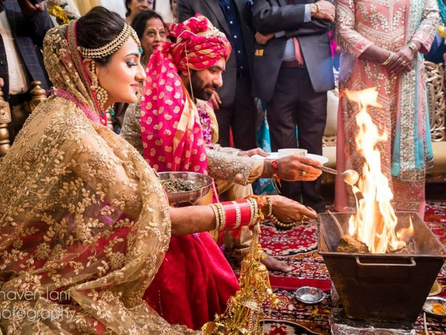 20 Simple Yet Enchanting Arya Samaj Wedding Traditions to Entwine Two Souls Into a Happily Ever After