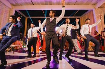 "Groomsmen Dance to Inspire the #boysquad to ""Drop It Like It's Hot"""