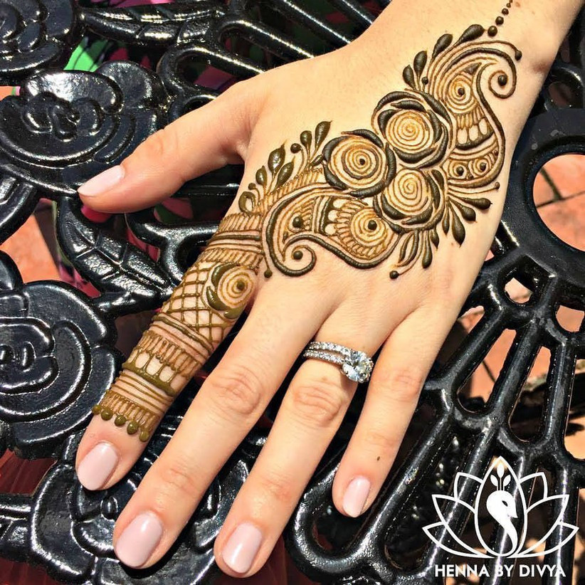 Rose Mehendi designs for Muslim brides