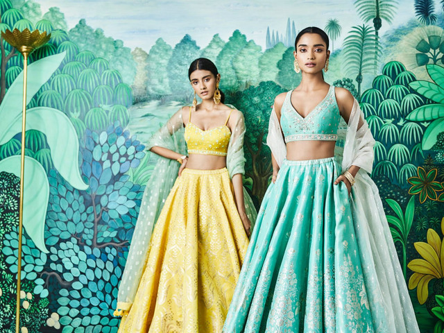 Day & Night: 5 Indian Wedding Reception Dresses For the Bride's Look Book