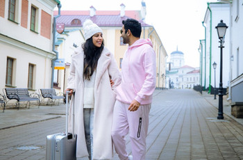 6 Beyond-ordinary Wedding Gift Ideas for the Travelling Couple!