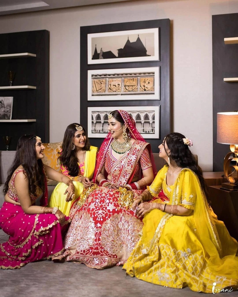 disha parmar with her friends